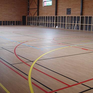 taraflex™ badminton playing surface   sports flooring